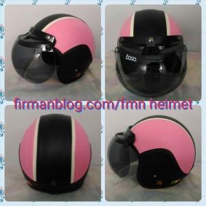 helm bogo pink hitam