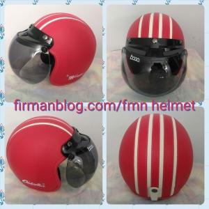 helm bogo merah garis putih